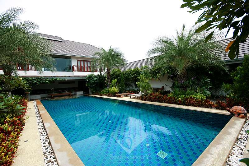 Beautiful House with Pool near Avenue Gold II in Hua Hin Soi 88