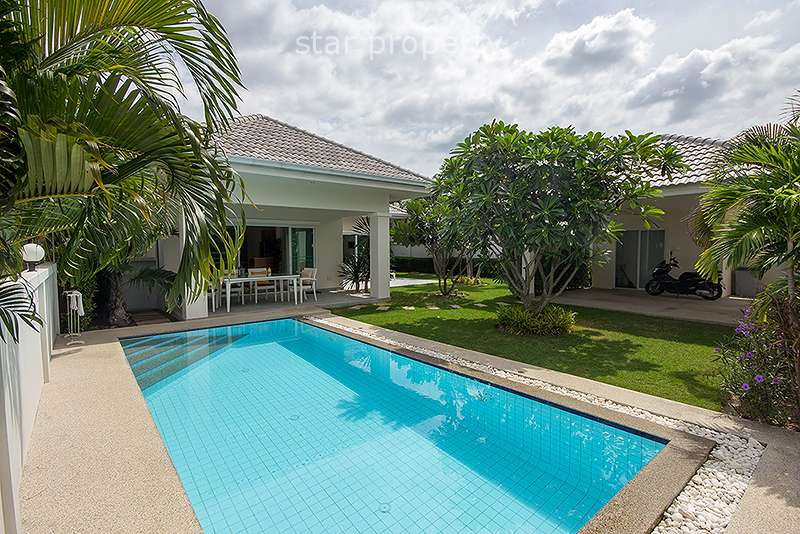 Beautiful Pool Villa in Hua Hin for Rent at Avenue Gold 88