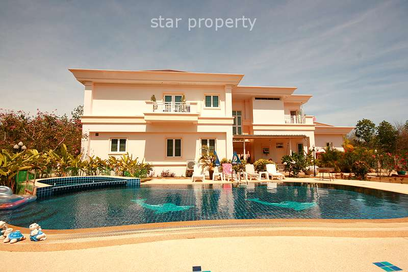 5 Bedroom House with Private Pool in Hua Hin Soi 6
