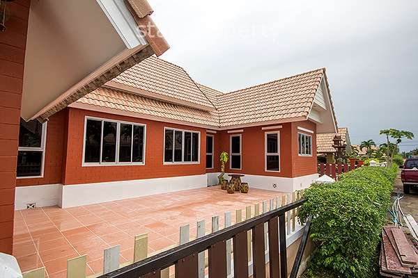 Beautiful Villa in Hua Hin for Rent at Dusita I