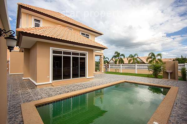 4 Bedroom House with Pool at Dusita Hua Hin Soi 112