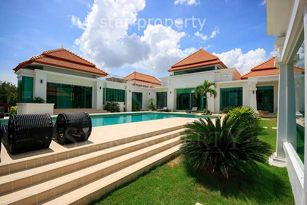 Luxury Pool Villa at Springfield Country Club and Resort Cha Am