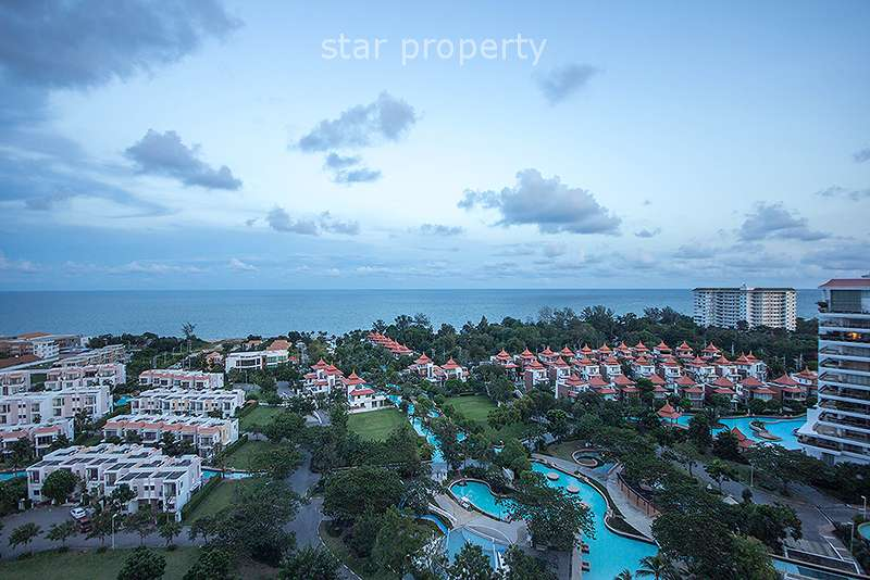 Beautiful Condominium with Sea View for Rent at Boathouse