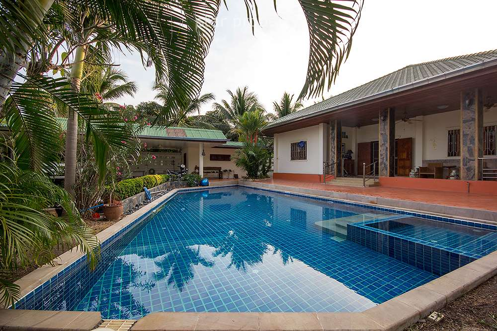 3 Bedroom Pool Villa for Sale in Hua Hin Soi 94 at Hua Hin district