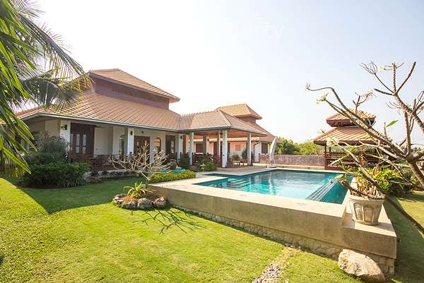 4 Bed Pool Villa at White Lotus 2 in Hua Hin Soi 116