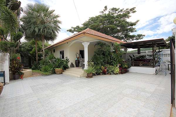 3 Bed Bungalow at Norway Garden in Hua Hin Soi 94