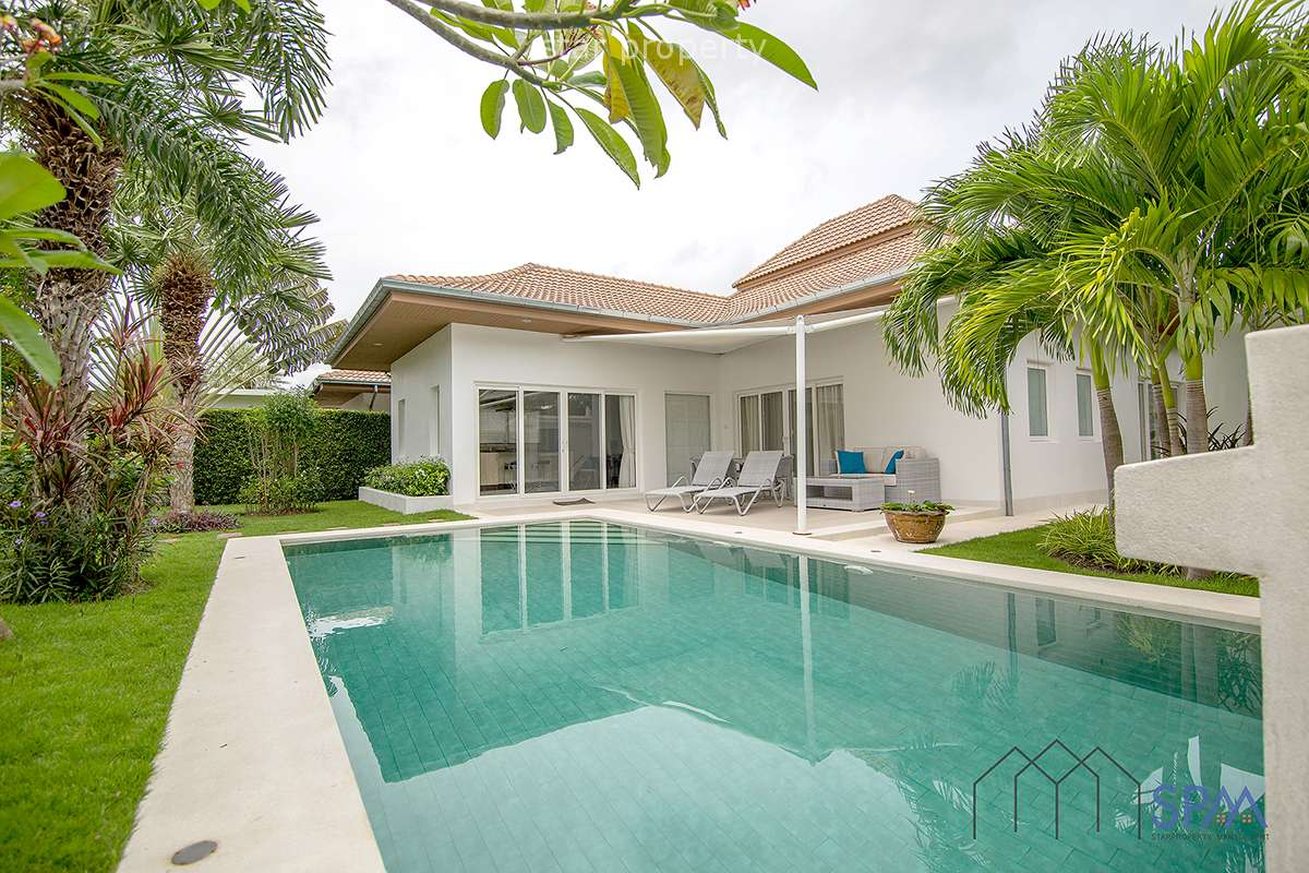 Stunning 3 bedroom pool villa for Rent near Banyan Golf Course