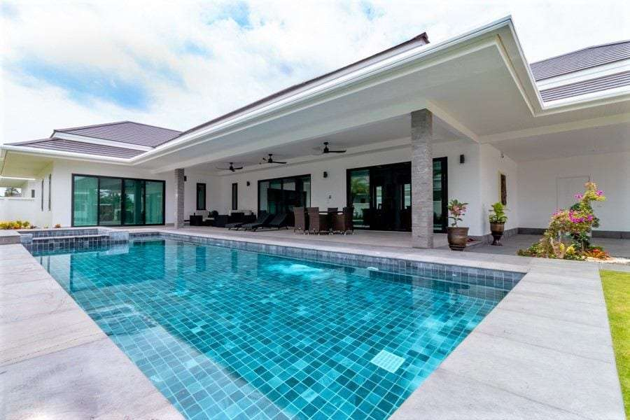 The Clouds: Luxury 3 Bed Pool Villa at The Clouds Near Palm Hills Golf Course
