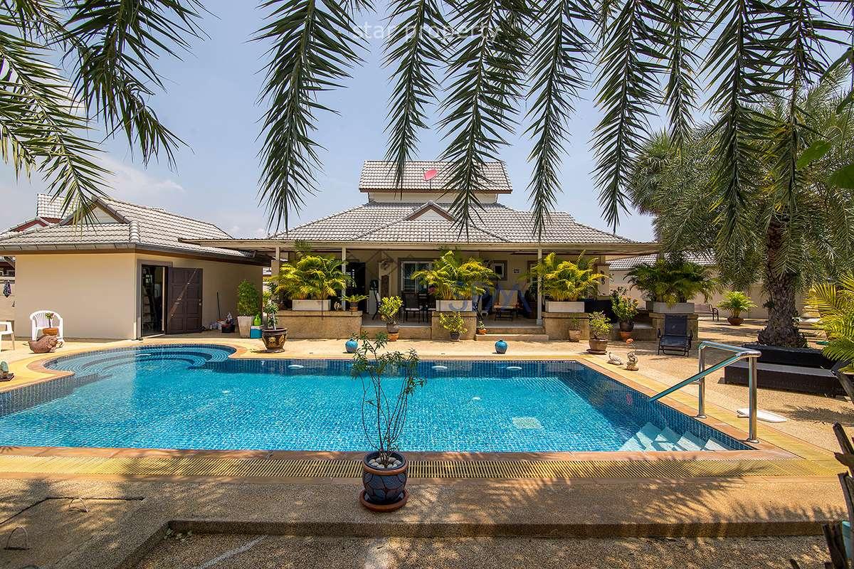 Emeral Resort