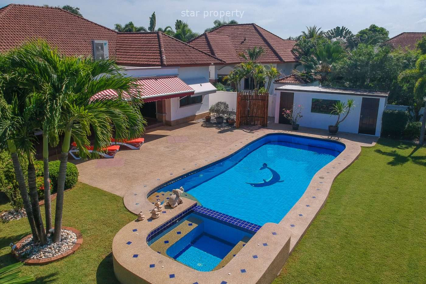 3 Bedrooms Pool Villa on large land for Sale in Hua Hin Soi 70