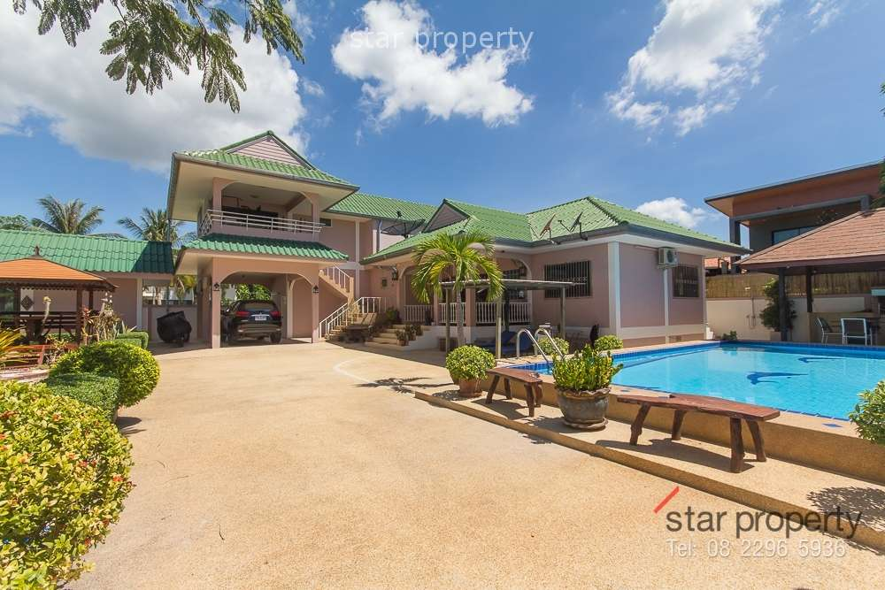 4 Bedrooms with Big Swimming Pool for Sale