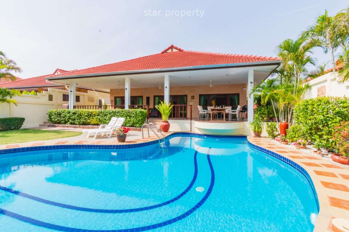 CRYSTAL VIEW: Great Quality 3 Bed Pool Villa