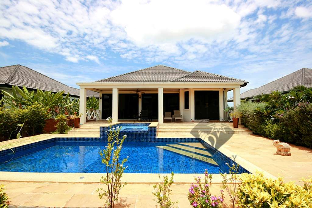 Pool Villa at Laguna Soi 102 for Rent