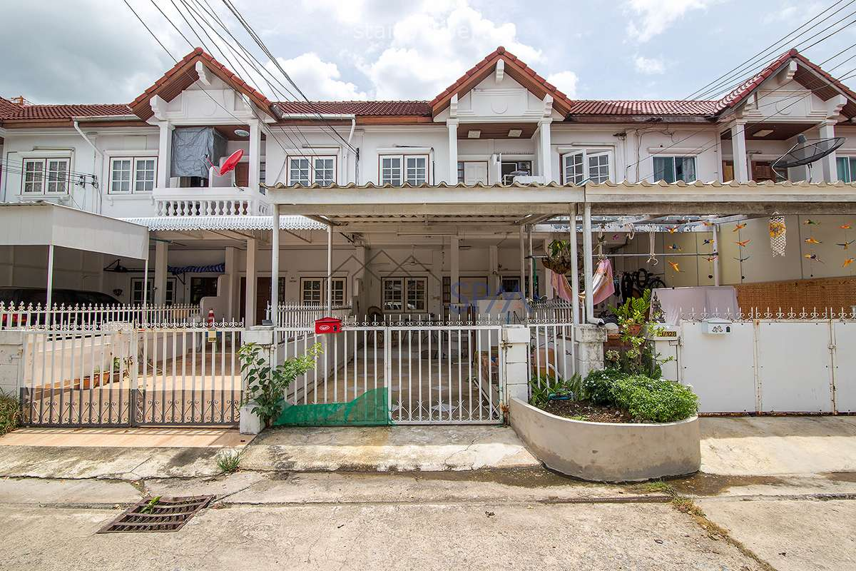 Town House at Sport Villa for Sale