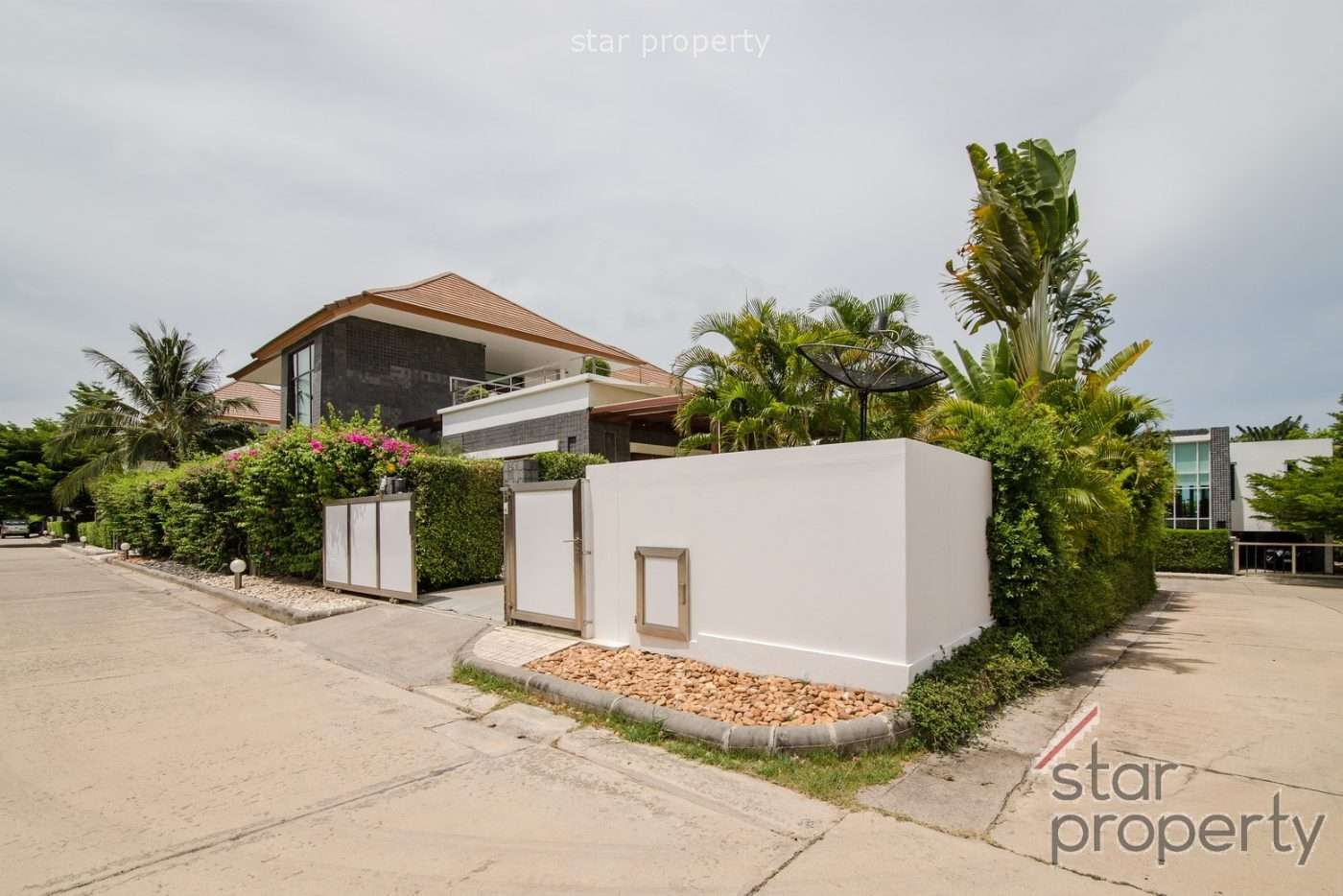 4 Bed Pool Villa for sale at Phu Montra