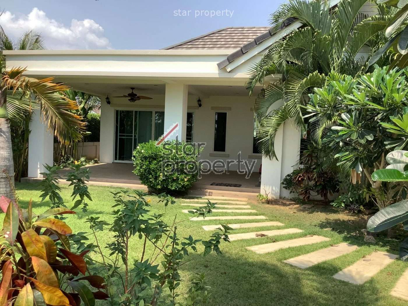 3 Bedroom Villa with Tropical Garden for Sale at Wararom Village Khao Tao