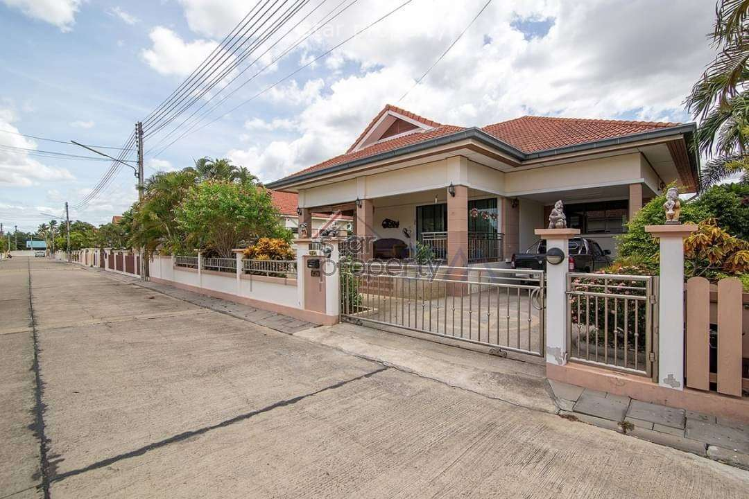 Stunning Pool Villa for rent in Hua Hin soi 70 at Baan Thai Village 2
