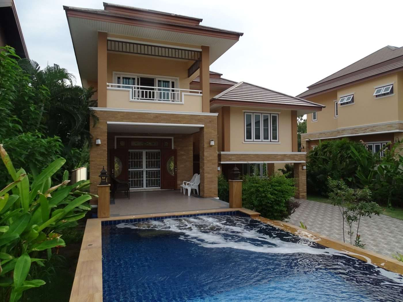 Stunning 2 Stories House for sale at Smorprong