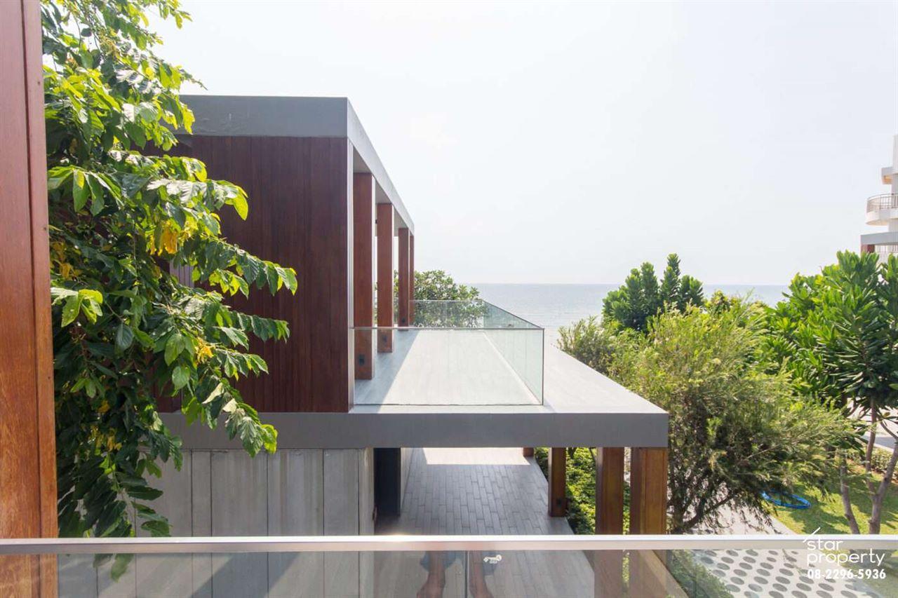 Modern House for sale at Hua Hin soi 19 at Baan Samran Lom