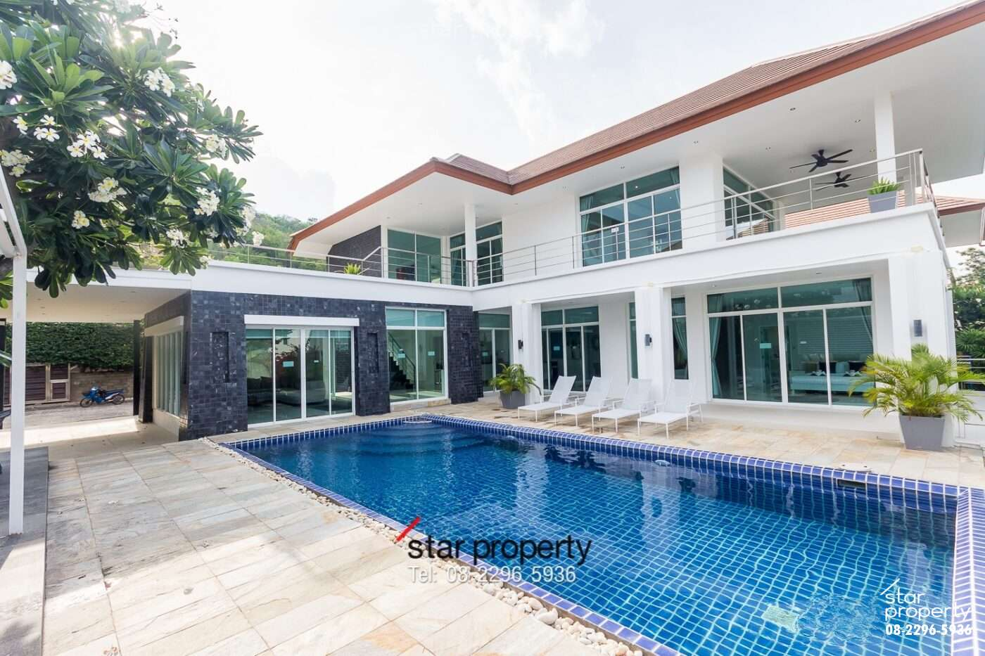 5 bedrooms for sale at hua hin